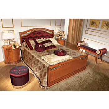 Siena Taffetas Euro Queen Size Bedroom Set w/Footboard, Walnut