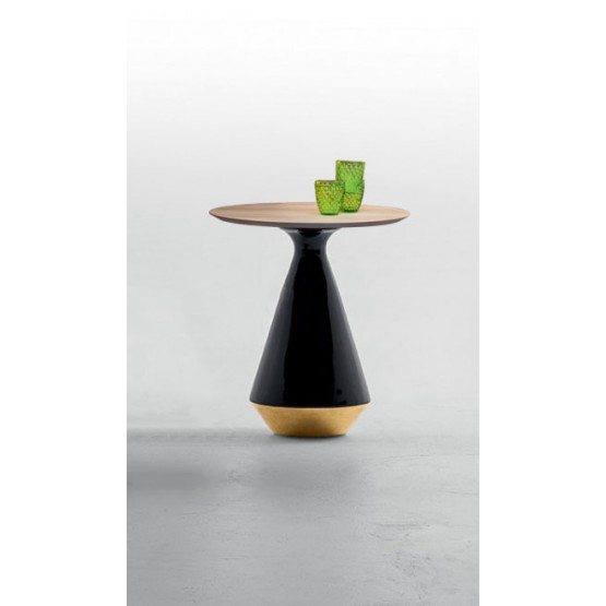Amira Side Table, Glossy Black and Gold Ceramic Base, Natural Oak Wood Top photo