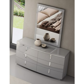 New York Dresser by J&M Furniture
