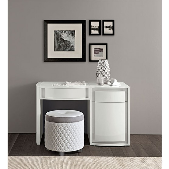 Dama Bianca Medium Toilet Table photo