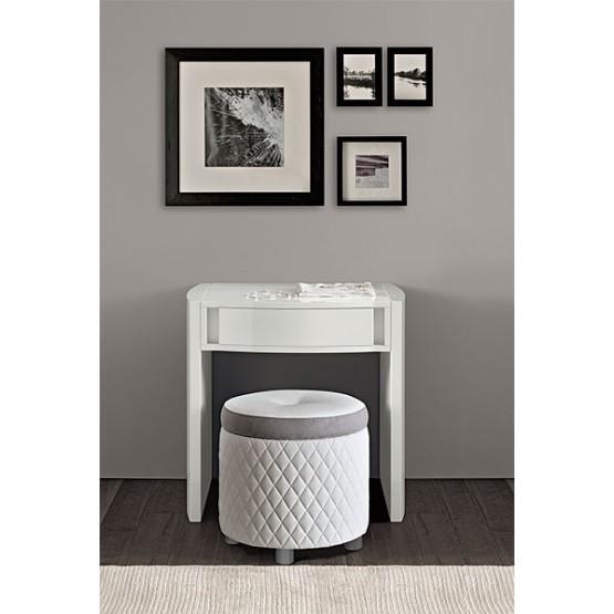 Dama Bianca Small Toilet Table photo