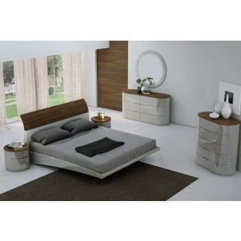 Amsterdam Queen Size Bedroom Set by J&M Furniture